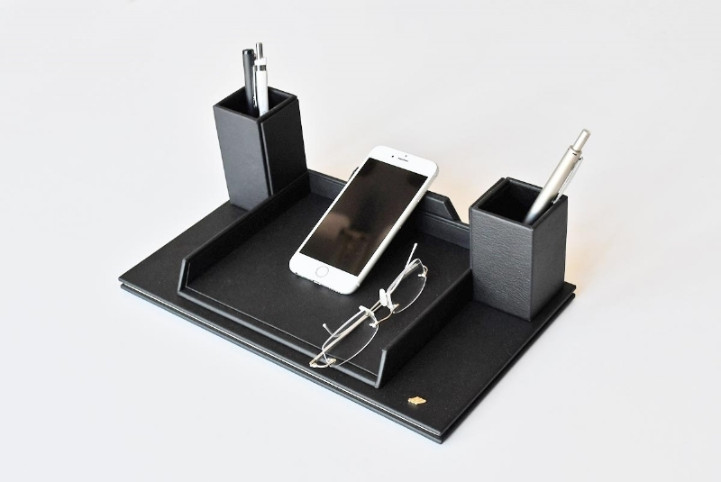262211-LEATHER , PHONE AND GLASSES HOLDER