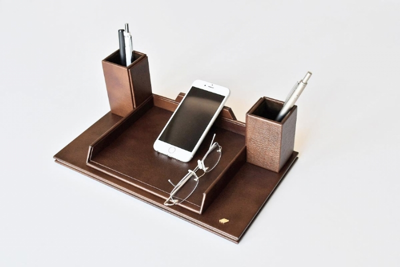 262140-LEATHER , PHONE AND GLASSES HOLDER