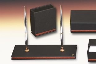 NEW DIPLOMATE Leather Desk Set