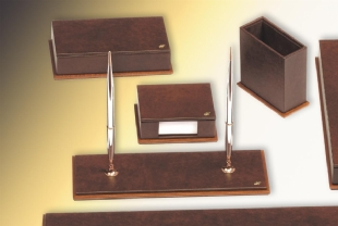 LEATHER AND WOOD DESKSET LINE