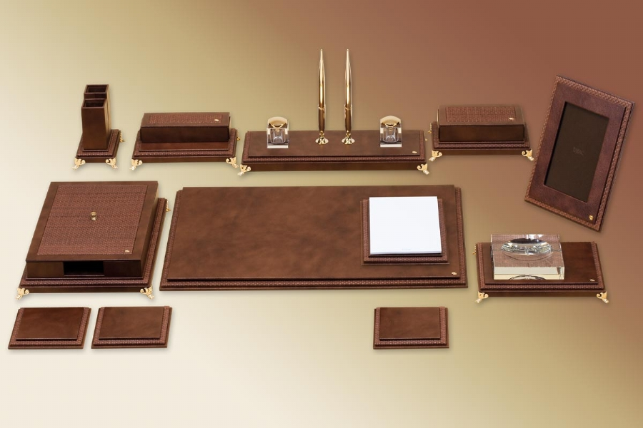 174040 - WOVEN PREMIUM LEATHER DESKSET