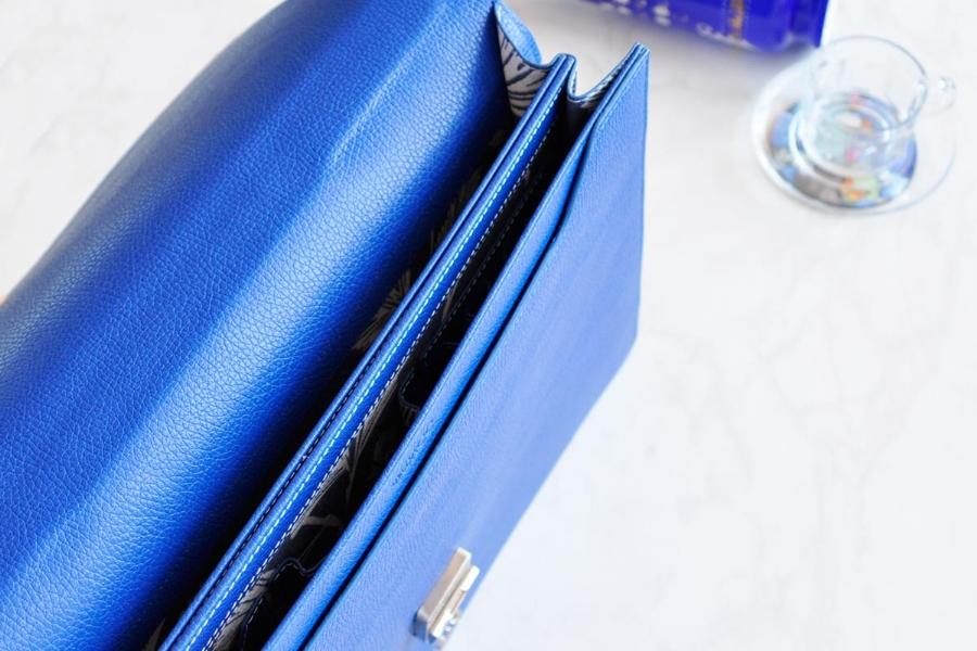25171 LEATHER BRIEFCASE- BLUE