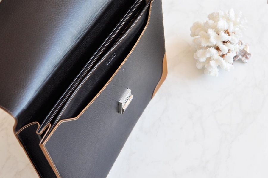 23816 LEATHER BRIEFCASE