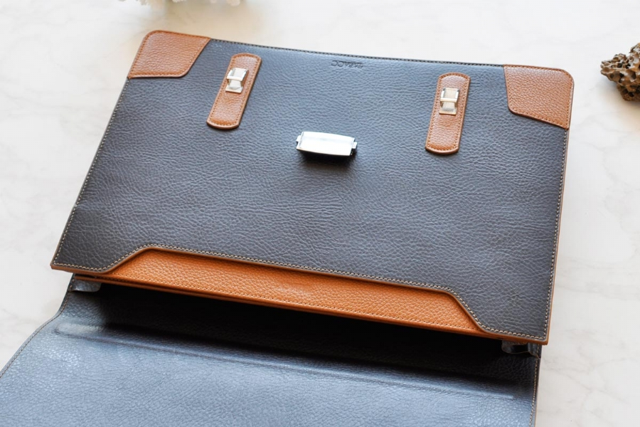 219239232 LEATHER BRIEFCASE