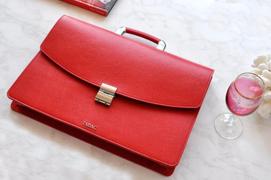 25204 - LEATHER BRIEFCASE- RED
