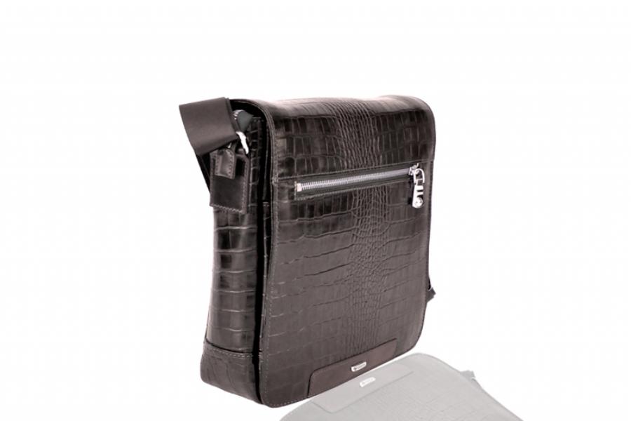 715982 - LEATHER MESSENGER BAG